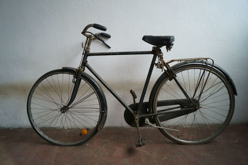 Ancient Ancient Bike Bicycle Bicycle Basket Bike City Bike Italian Bike Italy Italy Bike Land Vehicle Man Mode Of Transport Old Bike Old Bike ... Still Rollin Old City Bike Rules Of The Road Sport Street Street Bike Tire Transportation Us USA Lieblingsteil