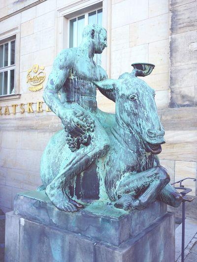 Bacchus auf Esel reitendSkulptur