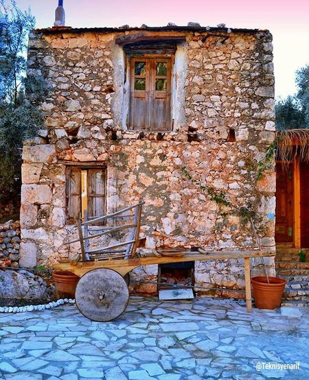 ⭐Kaş'ımızın eski evlerinden birtanesi👍 ⭐One of the old house,kaş👍 01✏Turkey 02✏Antalya 03✏Kas 04✏Gununkaresi 05✏All_shots 06✏Photo_turkey 07✏Followme 08✏Love 09✏Igturko 10✏Allshotsturkey 11✏Albumdenyansiyanlar 12✏Amazing 13✏Bir_dakika 14✏ Picoftheday 15✏Zamanidurdur 16✏Hayatakarken 17✏TBT  18✏Summer 19✏Teknisyenarif 20✏Holiday 21✏Objektifimden 22✏Turkinstagram 23✏Instagramturkey 24✏Turkishfollowers 25 ✏Ig_mood 26✏hause 27✏eskiev 28✏tarihiev 29✏taşev 30✏garden