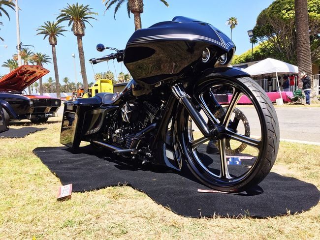 Custome bike California Cycle & Car show Street Photography Low Rider  StreetsofGold Southern California Beach Life Chopper