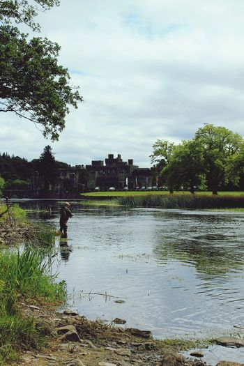 Ashford Castle Ashford Irlanda Irland Castle Lake View Nature Ireland Castello Ireland🍀 Landscape Landscape_Collection Traveling Fishing Fishind Pesca Castello Having A Good Time Having A Rest Travel Viaggiando Relaxing