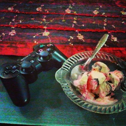 Eating sundae ice cream while PS3-ing :-D Photooftheday Picoftheday Happy InstaPlace world night