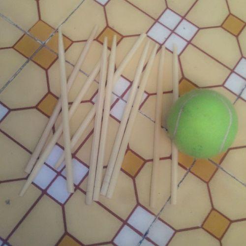 Mình đang ngồi chơi cái này 1 mình :) ai muốn thách đấu với mình ko :):):) =)))) Banh đũa La Vui nhất