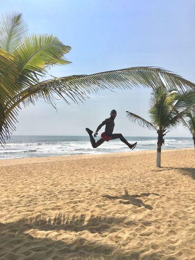 Silverbeach Liberia Monrovia OneMan Palmtree Jumpforasmile Justjump Jumping Jump Flyinghigh Real People
