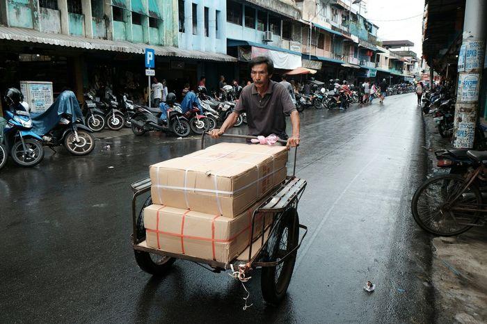 Traditional Transportation Becak Worker Hard Worker Old Man Working People One Man Only Motorbike Pedicab Sloppy Pedicab Driver Pedicabs Traditional Pedicab Transportation