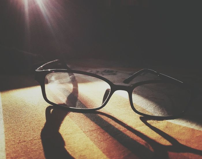 Shadow Sunlight Indoors  Eyeglasses  No People Close-up Day Morning Indoors  Awesome_shots Looksgood Beauty In Nature Silhouette Backgrounds Eyeglasses  Refraction AWESOME!!