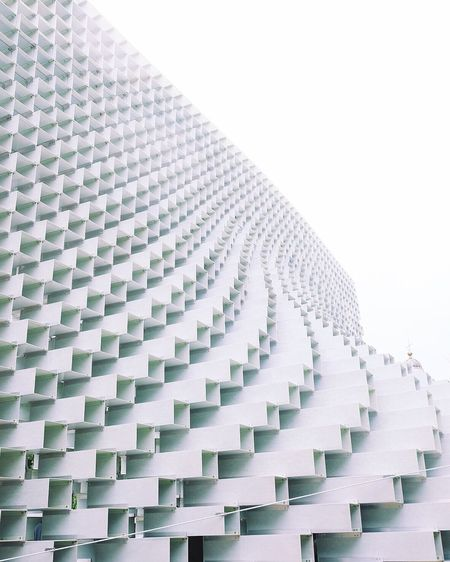 Art Serpintine London Pattern Repetition In A Row Studio Shot White Background Blue Diminishing Perspective Order Geometric Shape Full Frame Focus On Foreground Surface Level No People Sky LINE Arrangement Man Made Object
