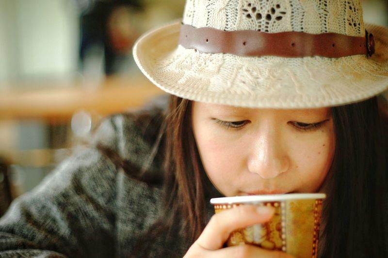 remake 2016 Zisunword Mood Feel Lady Girl Woman Milk Tea Milk Tea Drink Drinking Young Women Beauty Headshot Women Beautiful Woman Close-up Beverage Tea Cup Thirsty  Mint Tea Chinese Tea Green Tea Black Tea