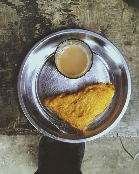 """The Chai-Pakoda Chronicles"" Chai Tea Pakoda Morning Mountains Chill Drive Himachal India Chandigarh Breakfast Drive HTC M7 VSCO Vscocam"