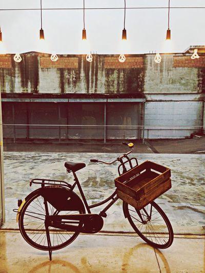 Scotch&Soda typical dutch Bike with PlumenDesign bulbs
