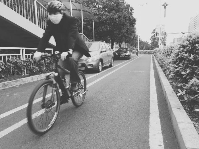 单车男 Taking Photos Enjoying Life Streetphoto_bw TYTVISION 萬有影力 Black And White Black & White Blackandwhite 单车男