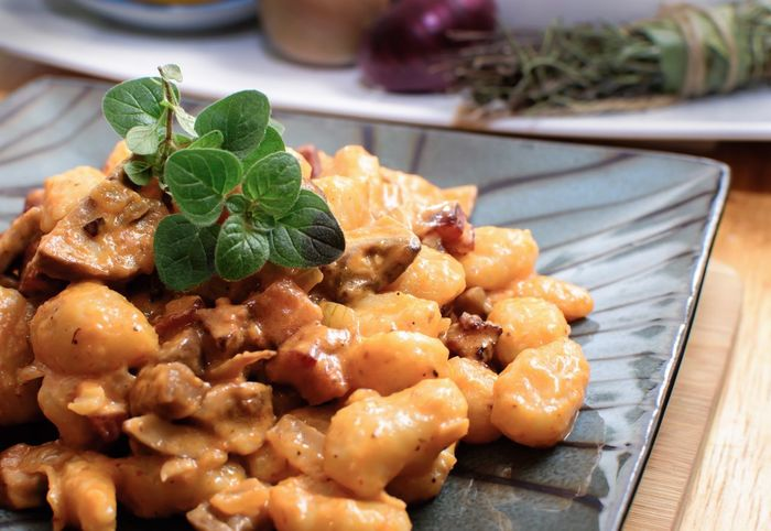 Gnocchi with fresh oregano Gnocchi Oregano Herbs Food Food And Drink Ready-to-eat Freshness Herb Plate Still Life Leaf Close-up Indoors  Indulgence Serving Size Focus On Foreground Healthy Eating Wellbeing No People Table