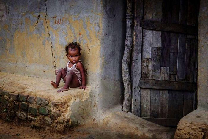 Child Children Only Childhood One Person One Girl Only Sitting People Day Human Body Part Outdoors Adult Thoughts Imagination