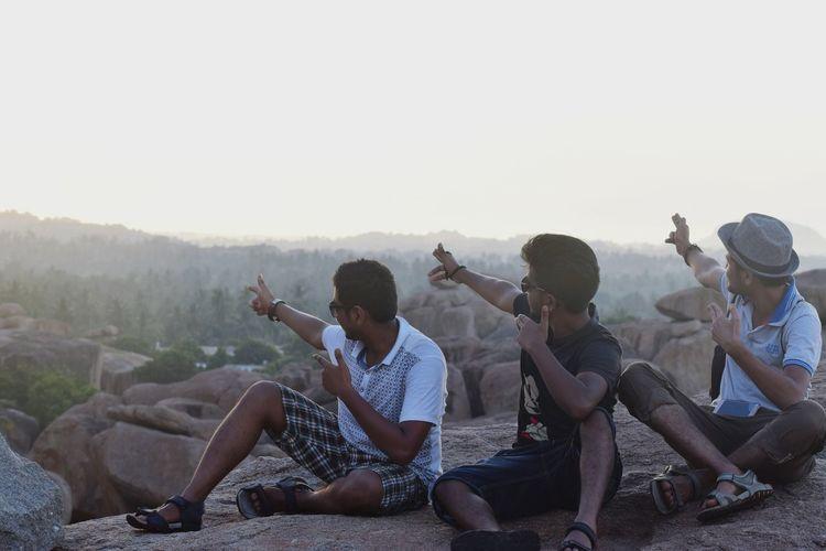 Sun Sunset Friends Sitting Pose BoysBoysBoys Sky