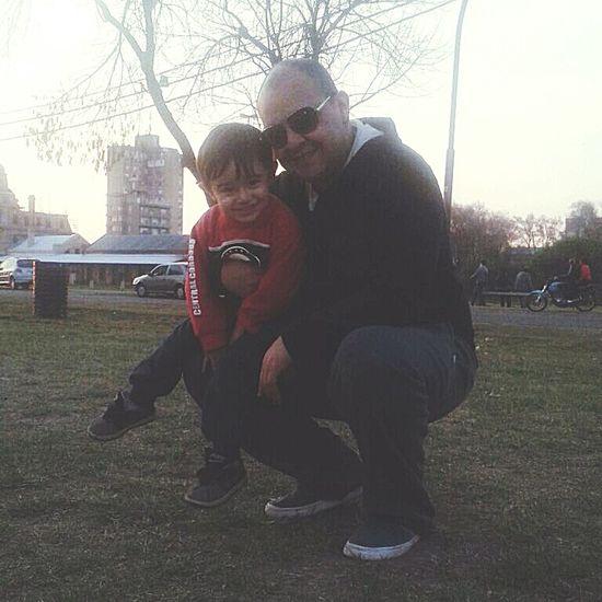 Dos lokos lindos... Love Life Family❤ Sonrisitas EyeEm Gallery Selfie Rosario Argentina Sobrino Plaza Del Che! Central Córdoba