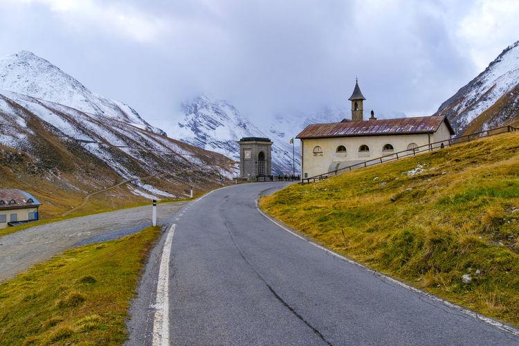 Landscape view at passo dello stelvio famous landmark at italy, wallpaper.