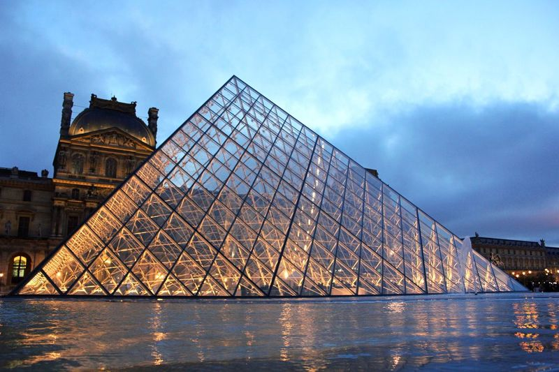 pyramid ? Urban Geometry Urban Landscape Architecture Hanging Out Travel Paris Streetphotography Museum City Lights Europe
