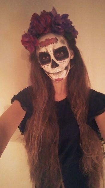 Halloween Cavalera Girl Selfie