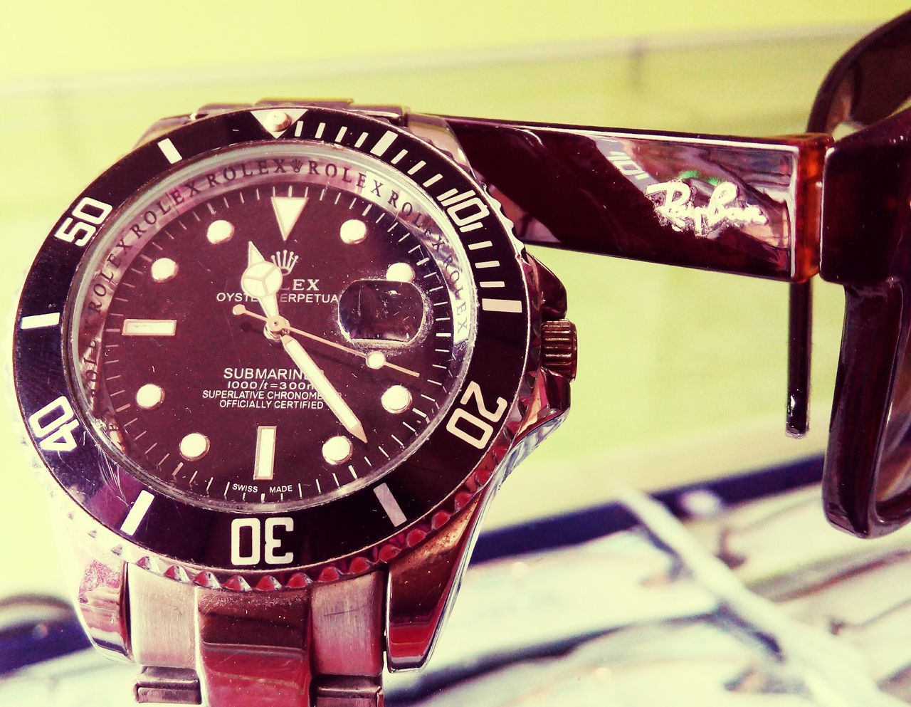close-up, time, wristwatch, no people, technology, watch, day, indoors, minute hand