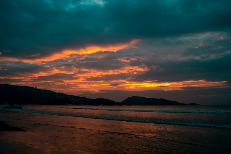 Vibe out Eeyem Photography EeYem Best Shots Eeyem Nature Lover #Thailand Thailand Thailand_allshots Thailandtravel SonyAlpha58 Beautifuldestinations Landscape Outdoors Sunset No People Nature Water Lava EyeEmNewHere