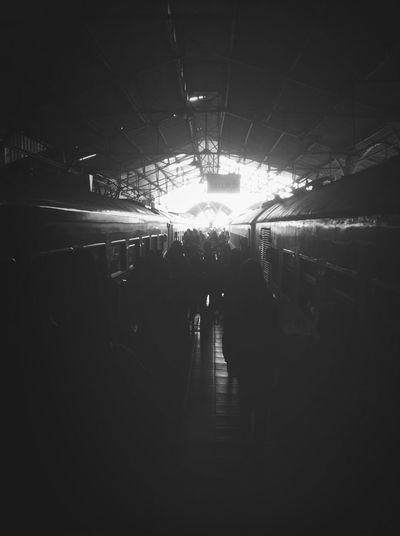 People come & go Keretaapi