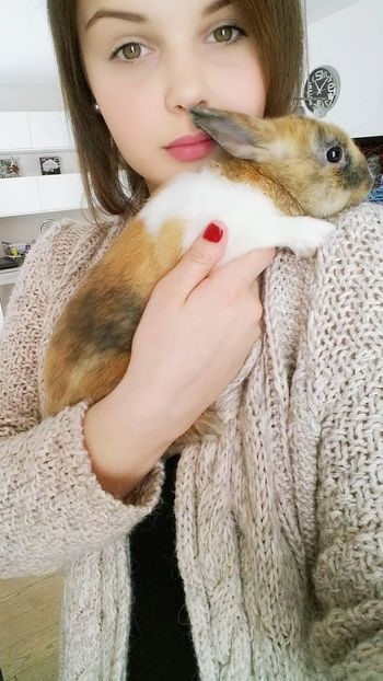 Happy easter everyone!❤ Taking Photos That's Me Hello World Relaxing Enjoying Life Baby Bunny Cuddling Cuddles Bunny  Bunnies Bunny Love Cute Pets Rabbit Happiness Animal Lovely Animal Photography Animal Lovers Romanian Girl Flufy Happy Easter Everyone Easter