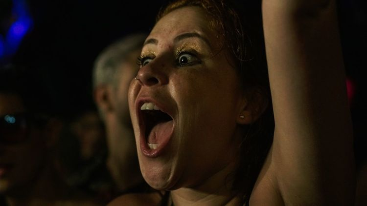 Mouth Open One Person Screaming Young Adult Shouting Real People Young Women Night Headshot Lifestyles Portrait Wesley Safadao Illuminated Event Audience Brazilian Nightlife Beach Brasil The Week On EyeEm Brazil Brazilian Music Maresias Music Festival Performance A New Beginning
