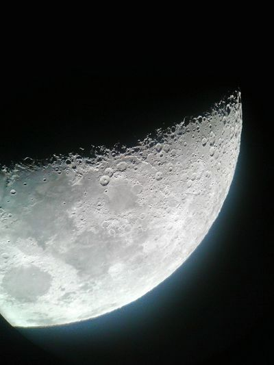 Took this shot of the Moon in an Observatory in Penonome , Cocle . Panamá Panama City Nightshot
