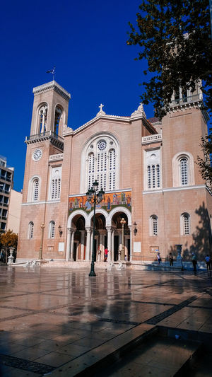 Outdoors Trees Urban Sunny Clear Sky Light God City History Sky Architecture Building Exterior Built Structure Place Of Worship Cathedral Spirituality Catholicism Church Religion Temple - Building Temple