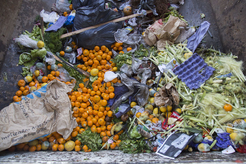 Thousands of tons of food are thrown away daily in the central market of Buenos Aires. Aliment Food Waste Awareness Food Waste Photojournalism Rubbish Documentary Famulari Food Food And Drink Fruit Garbage Rotten Rotten Food Rotten Fruit Variation Waste