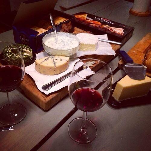 naughty Foodporn // oooomg Redvine ; Cheese