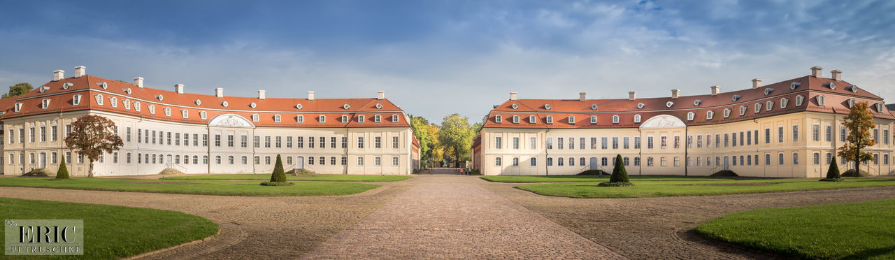 Schloss Hubertusburg Architecture Travel Destinations Building Exterior Royalty Outdoors Day Canon Lightroom DSLR Love Happiness Raw Amazing Saxony 2016 View