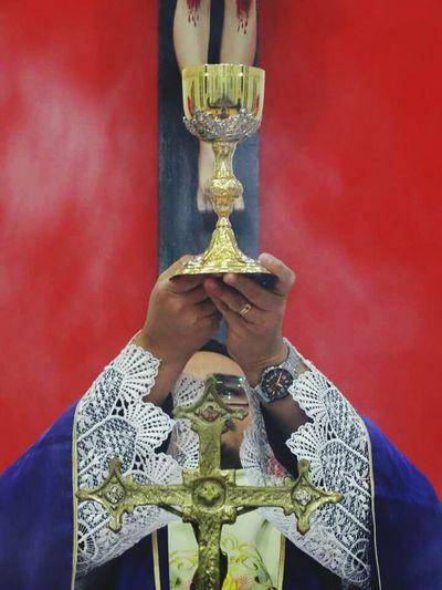 Religion Eucarestia Eucaristia Father Sacerdote Sacerdocio Church Catolic Church Catolic