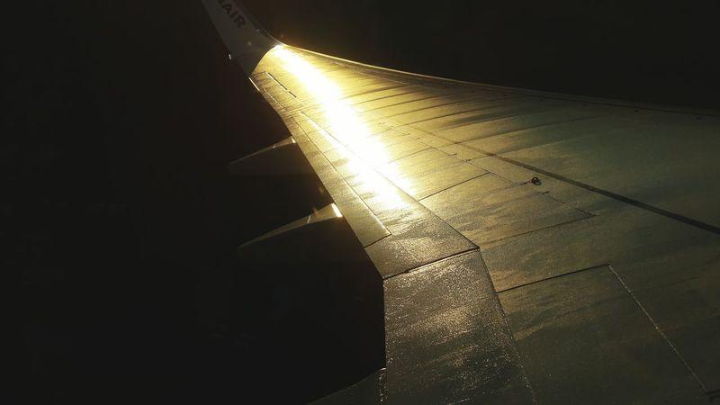 Morning First Eyeem Photo EyeEmNewHere Sun Edinburgh Fly Airplane Aircraft Wing Aircraft Air