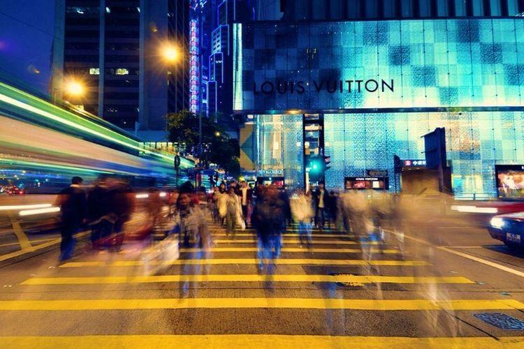 Finding The Next Vivian Maier Streetphotography Streetart Street Vuitton's Eve