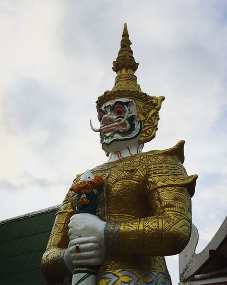 Statue Human Representation Sculpture Male Likeness Religion Art And Craft Cloud - Sky Spirituality Low Angle View Sky Place Of Worship History Gold Colored Architecture Day Built Structure Outdoors No People Building Exterior