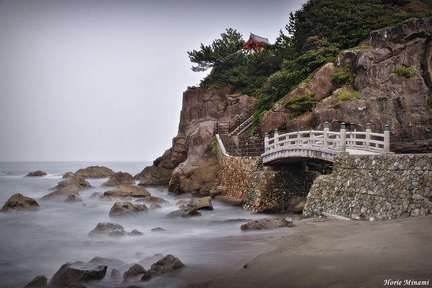 桂浜 EyeEm Selects EyeEm Gallery EyeEmNewHere EyeEm Best Shots Sky Sea Water Land Beach Nature Built Structure No People
