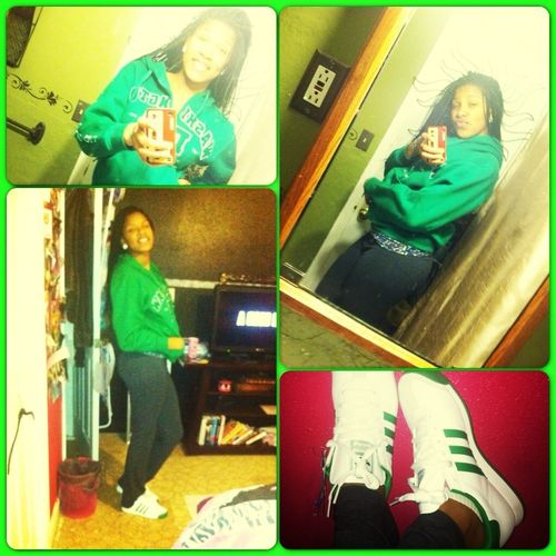 Yesterday , i was bumish . I look cute in Green !