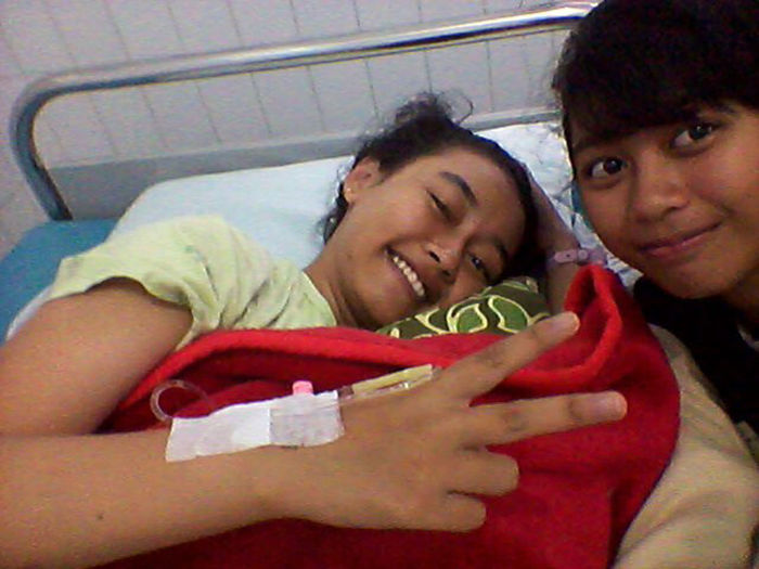 Cepet srmbuh dek ^_^ Get Well Soon! Feeling Sick That's Me