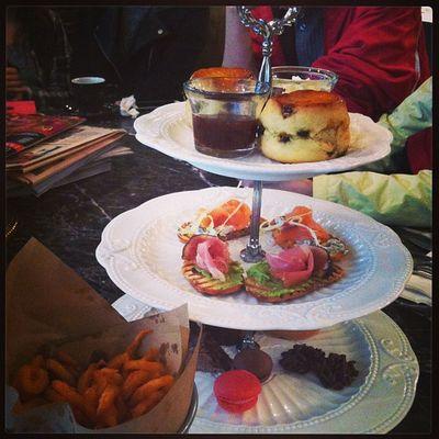 Saturday afternoon tea. @pheb @tungtungmeow @yukicccc