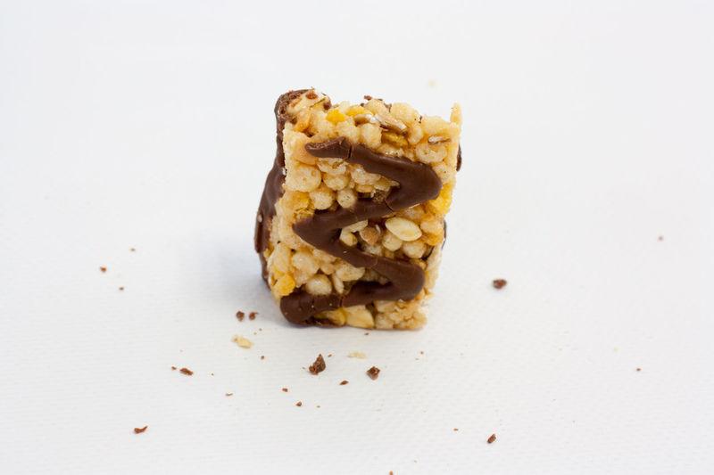 Granola bar shooting Granola Bar Granolabar Bar Caramel Cereal Cereal Bar Chocolate Chocolate Bar Chocolate Time Corn Crumble Crunch Granola GranolaBars Honey Indulgence Muesli Muesli Bar Müsliriegel Snack Studio Shot Sweet Wheat Food Stories