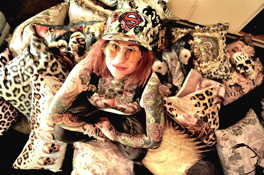 Oneteaspoon Vanasch Clothes Vanasch Cushions Tattooed Tattoos Tattooedgirl Tattooedwomen Tattoo Animal No People Leopard Animal Themes Indoors  Close-up Mammal Day