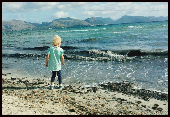 Alcudia 2014...Das erste mal am Meer mit der kleinen Elaine... Water_collection Taking Photos Enjoying Life Kinder