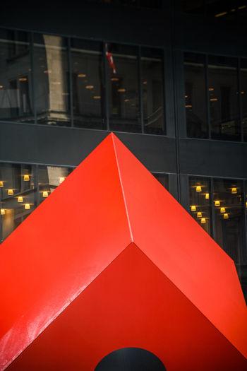 Art Q Quadrat Quadrate Red Streetphotography Learn & Shoot: Balancing Elements