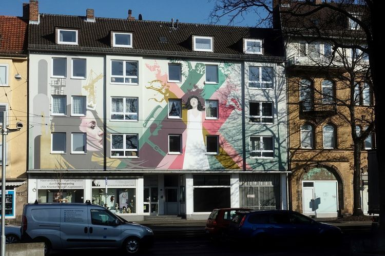 Graffiti Holländisches Viertel Innenstadt Kassel Nordhessen Architecture Building Exterior Built Structure Car City Day Land Vehicle Mode Of Transport No People Outdoors Residential Building Sky Transportation Tree Wandmalerei Window