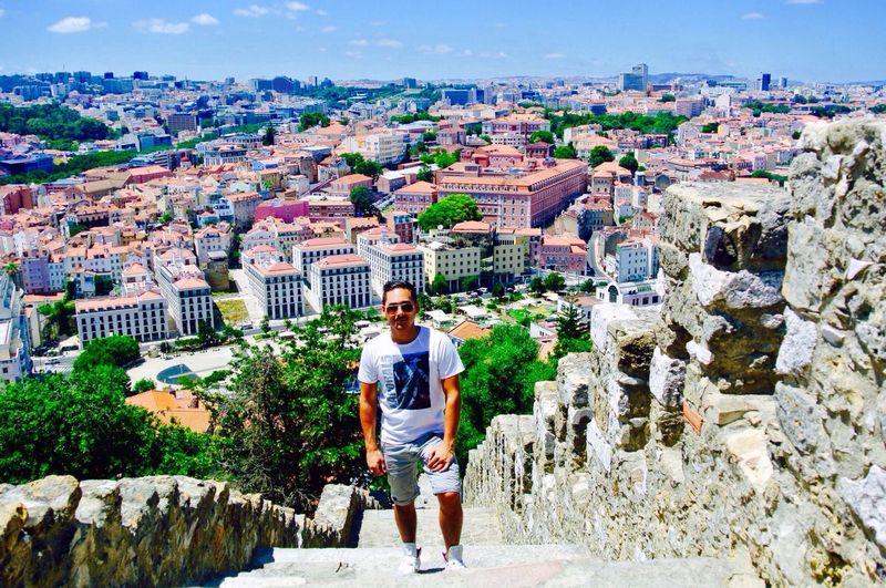 Walk to the famous Castle of Lisboa.