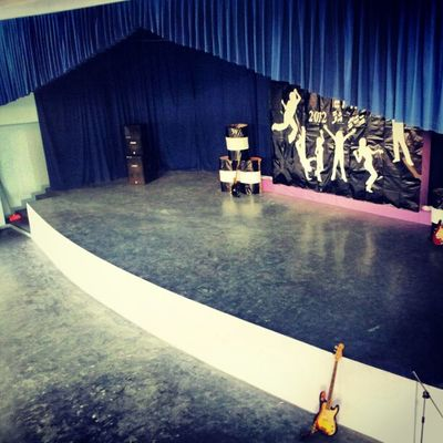 Shool stage hall.. Komandoo