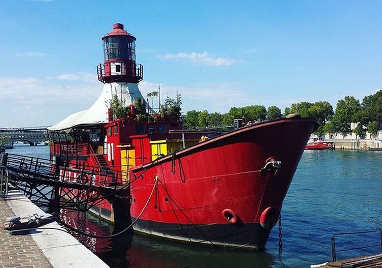 Quaideseine Bercy Tolbiac Bridge Boat Red Walk Sun Sunny Day Paris Goodday Goodtime Hot Love