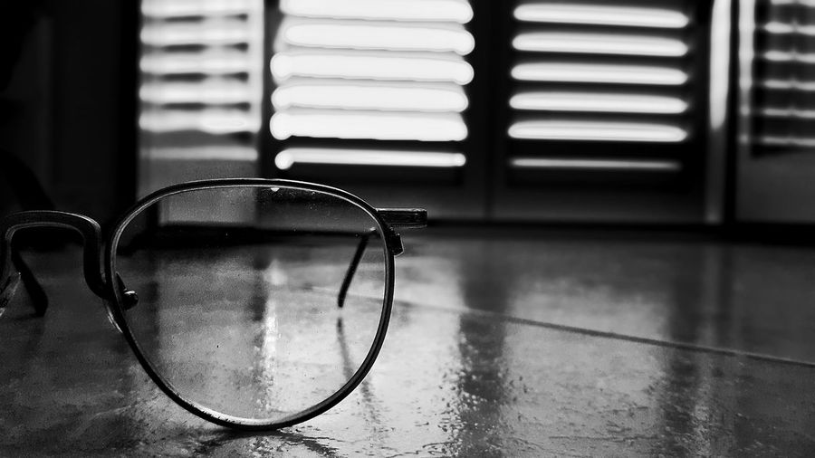 Ancient glasses Eyeameaster Lights Like4like Eyeam Street Effects & Filters Black And White Glasses Eyewear Shadows On The Floor Intellectual Overdose Focus_graphy