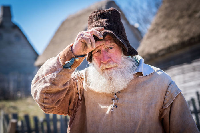 Reenactor tells the tail of hard work as a colonial newcomer to the new world at Plimoth Plantation. Hard Work Hello Plimoth Plantation Plymoth Plantation Beard Colonial Gratitude Massachusetts Pilgrim Reinactment Rough Life Tourism This Is Aging